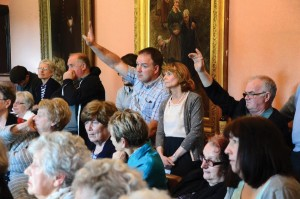 Emotionally charged meeting: Residents ask questions
