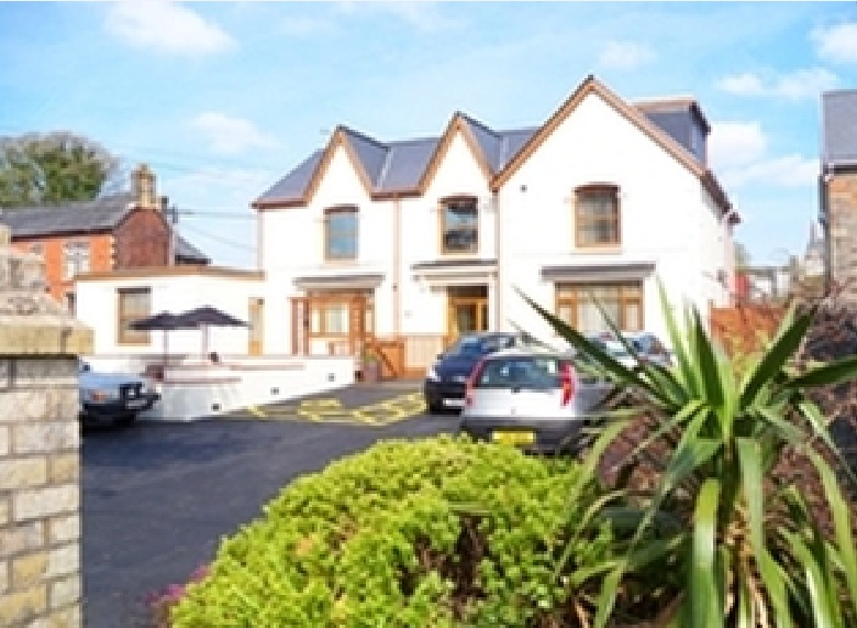 Care home told staff not to speak Welsh