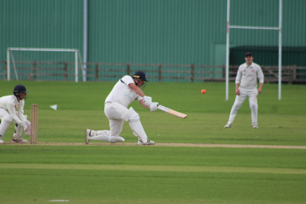 Wanderers slip to defeat - The Carmarthenshire Herald